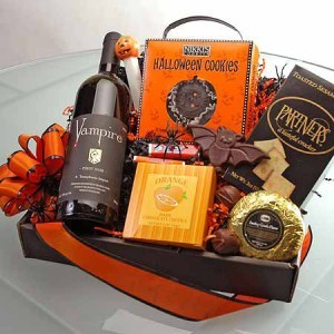 Beverages for your party 2locos share this creepy vampire wine gift basket with friends or keep it all to yourself 5500 solutioingenieria Image collections