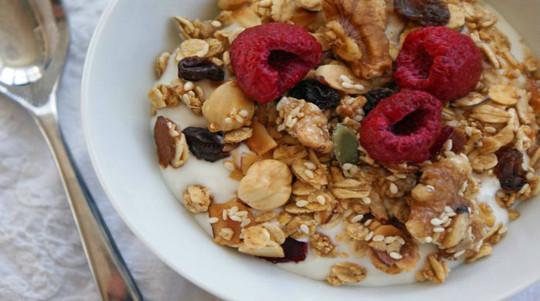 Granola for Breakfast or Snack - 2locos